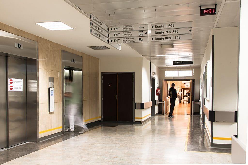 Signalisatie - Universitair Ziekenhuis (UZ Brussel) - Sign & Display