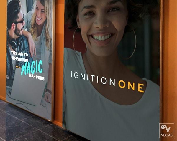 ignitionone office-branding binnenreclame spandoek
