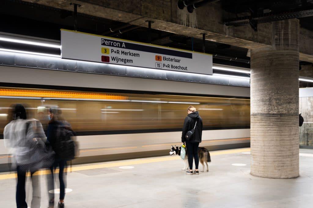 Metro Station Opera - Signalisatie - Dibond panelen