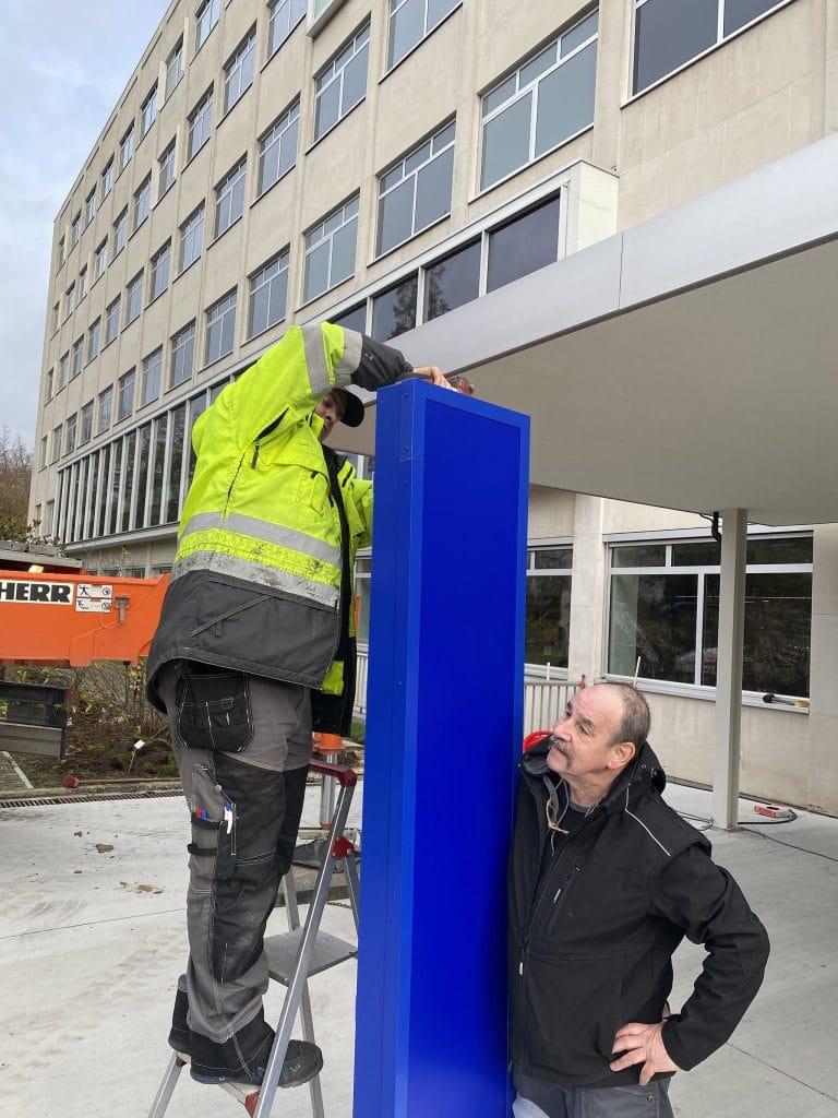 over Sign & Display - teamwork